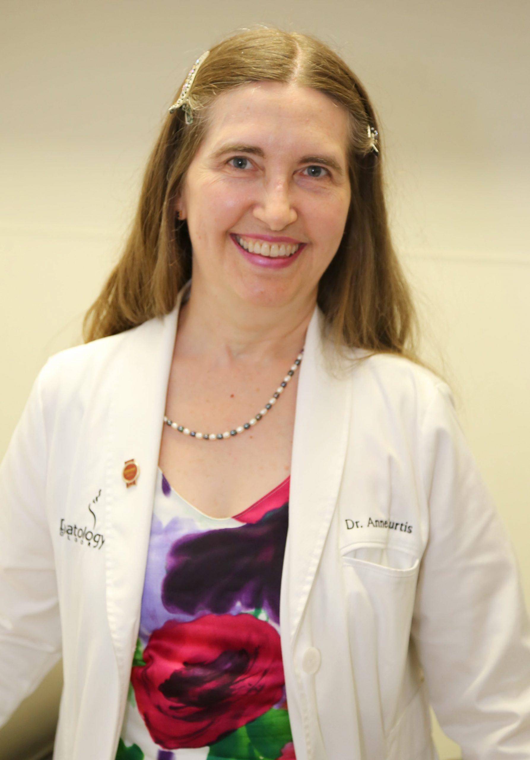 Dr. Anne Curtis