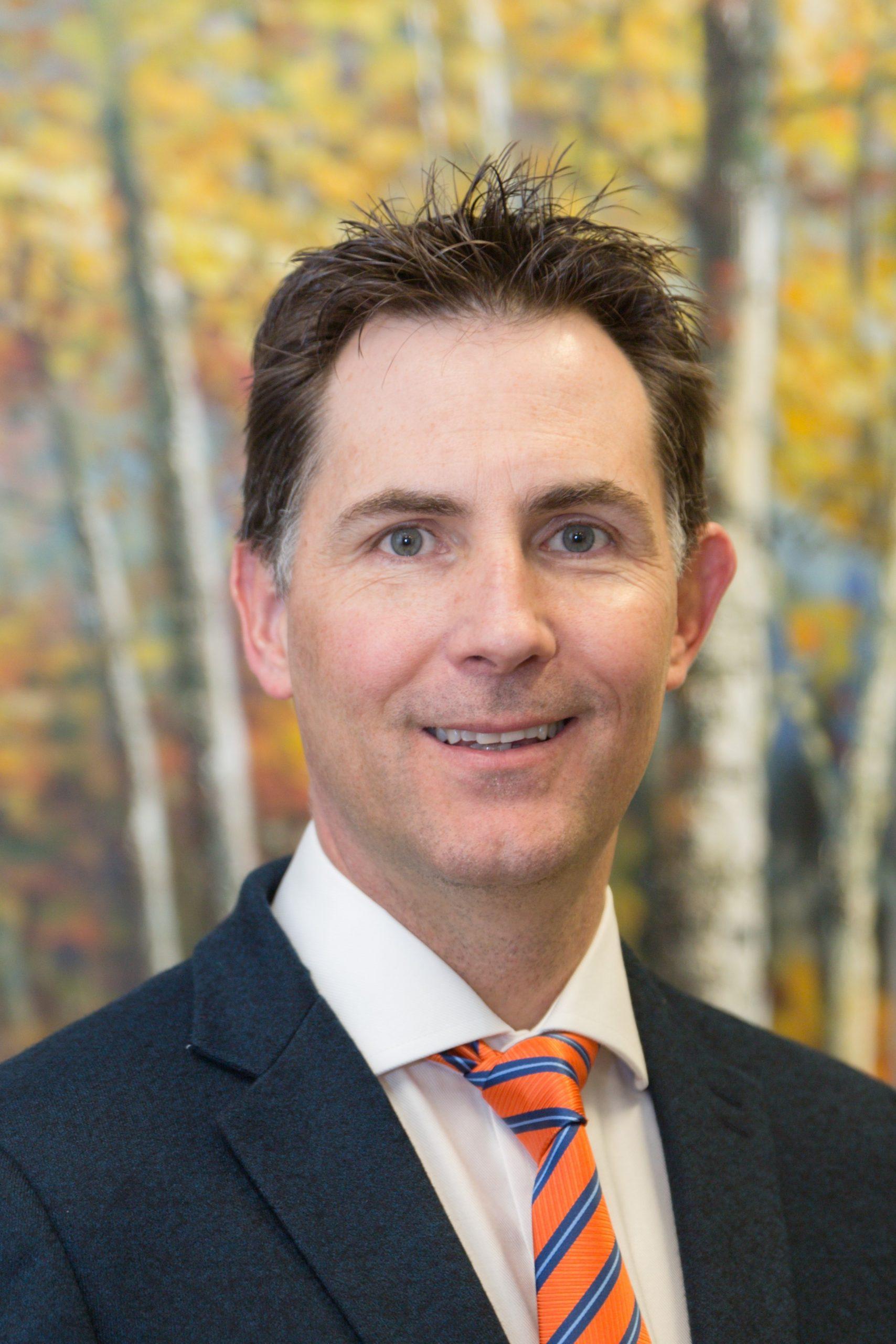 Dr. Bertus Eksteen
